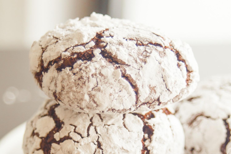 Biscuiți crăpați cu ciocolată