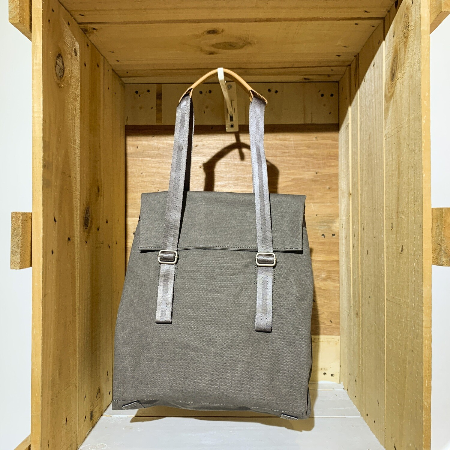 QWSTION – Small Tote Organic Washed Grey