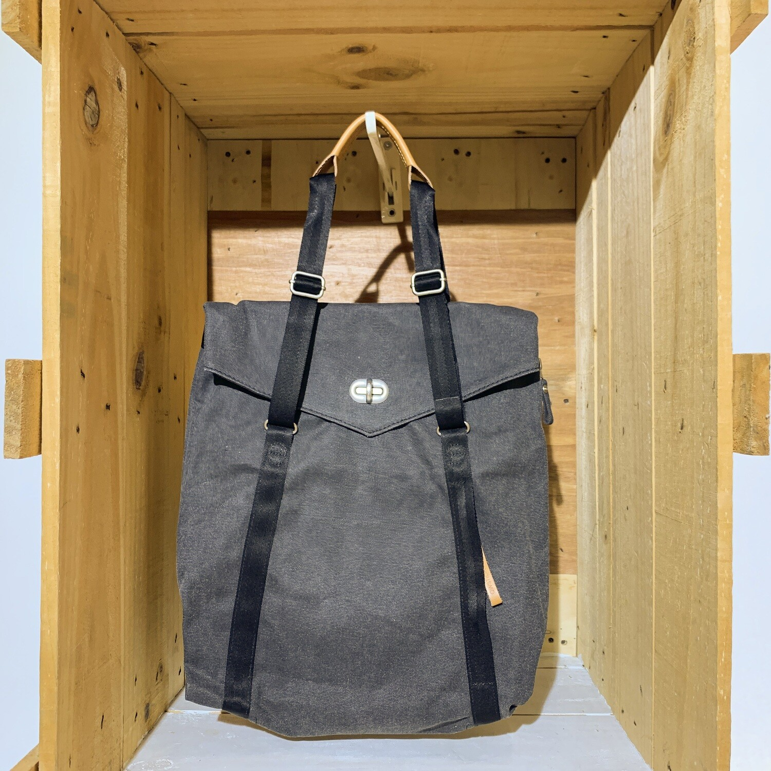 QWSTION – Tote Organic Washed Black
