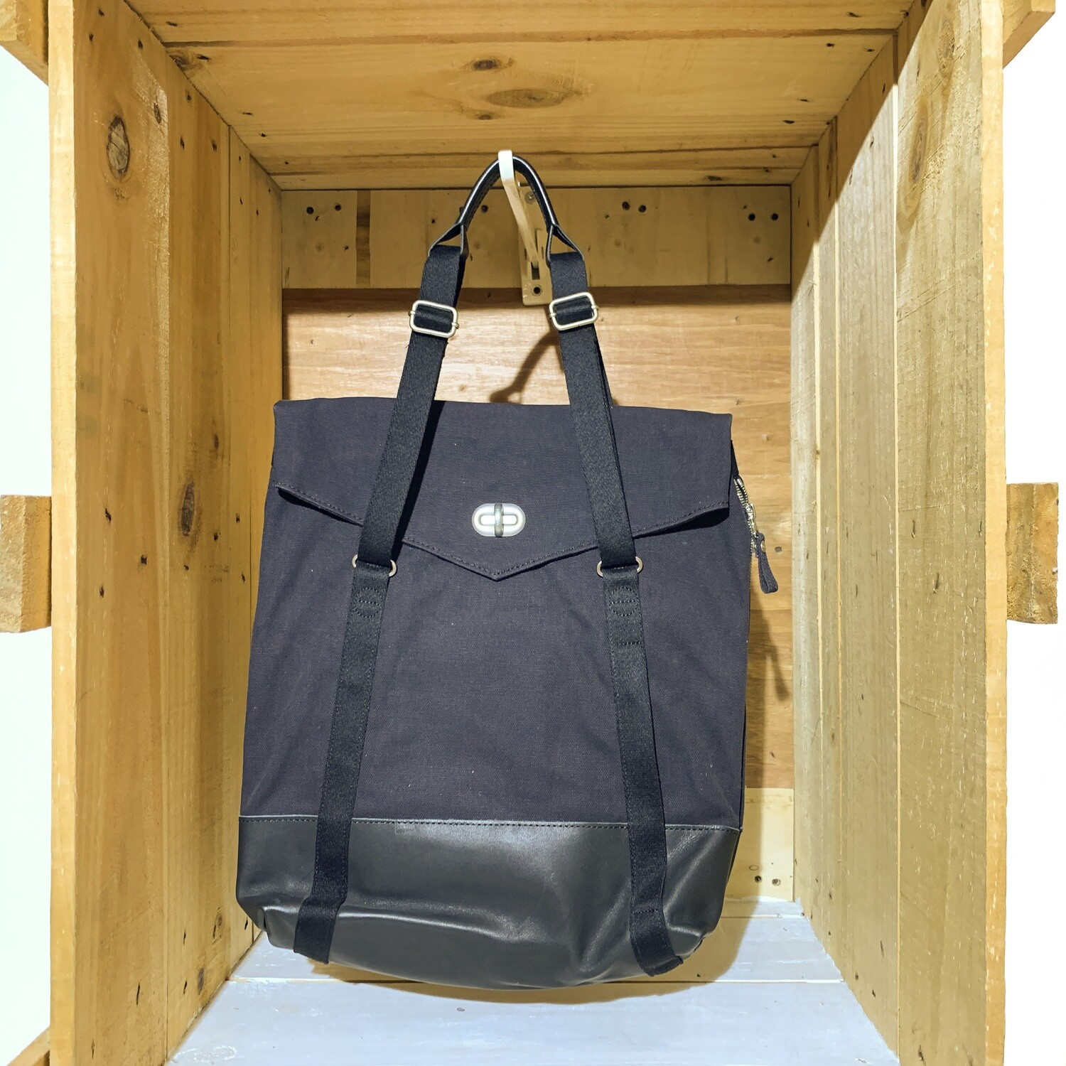 QWSTION – Tote Black Leather Canvas