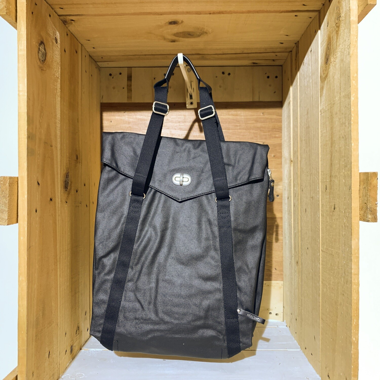 QWSTION – Tote Organic Jet Black