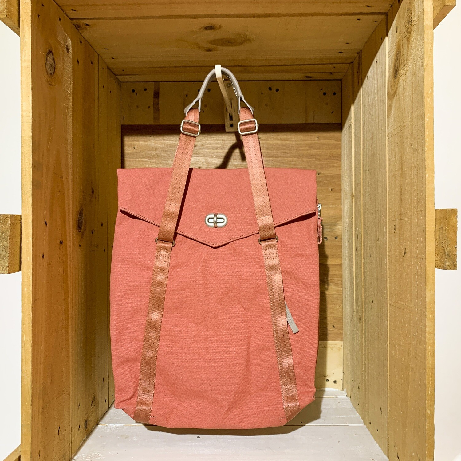 QWSTION – Tote Organic Brick
