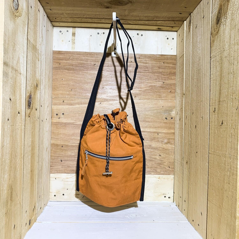 QWSTION – Mini Bucket Orange