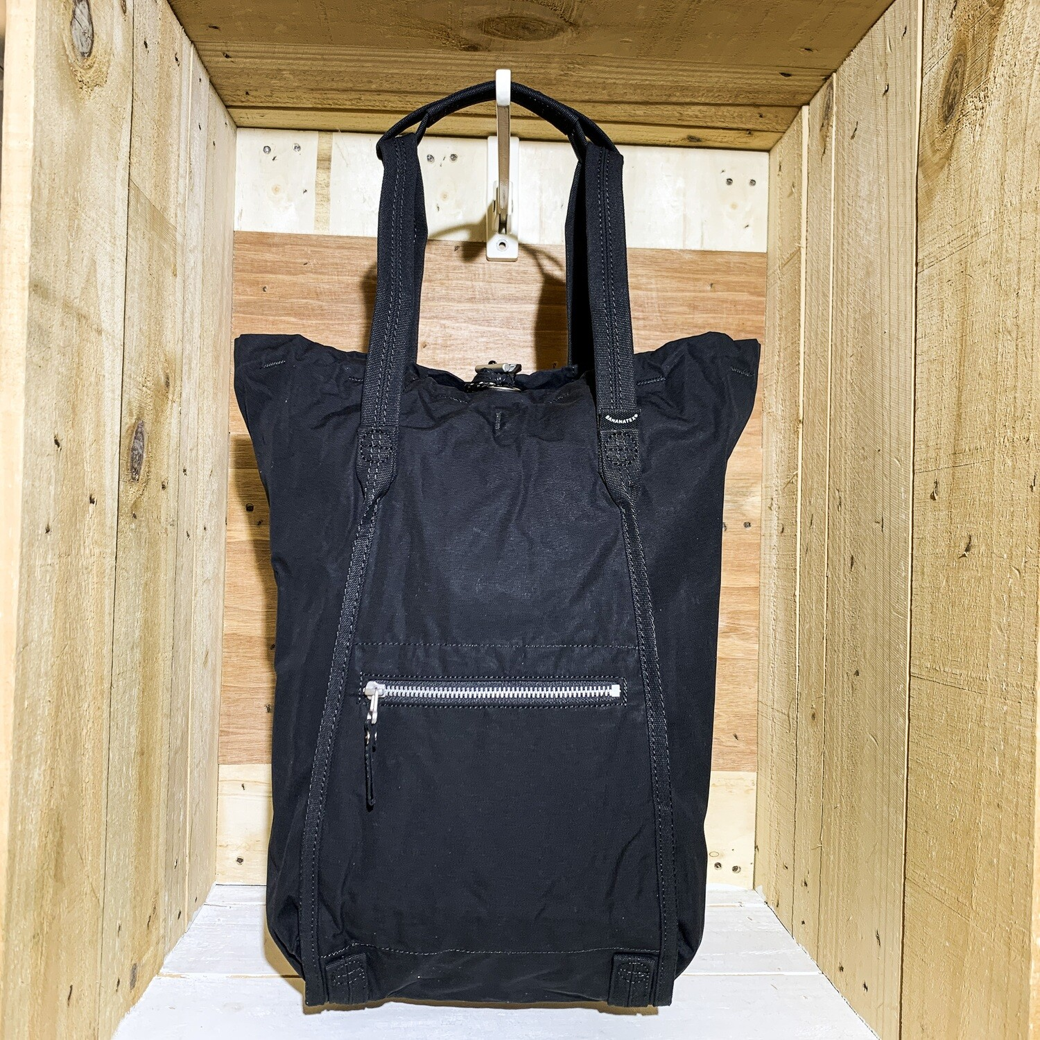 QWSTION – Small Bucket Black