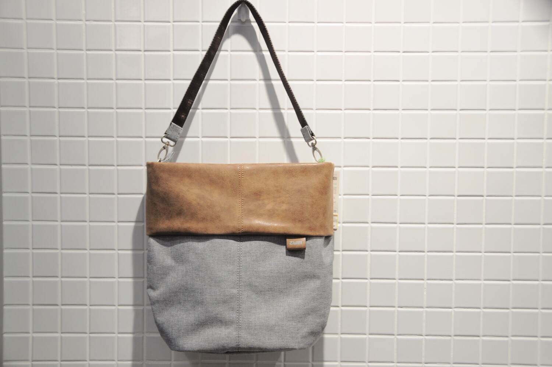 Zwei Tasche