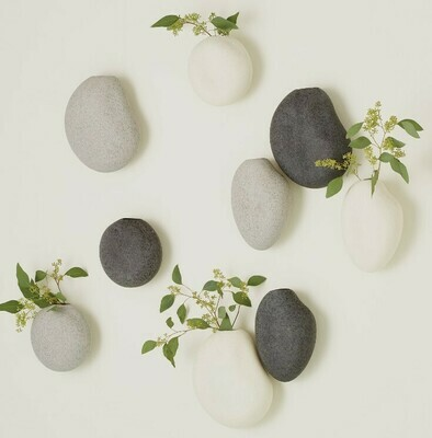Wall Pebble Vase
