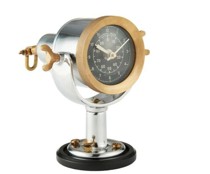 Knot Log Table Clock