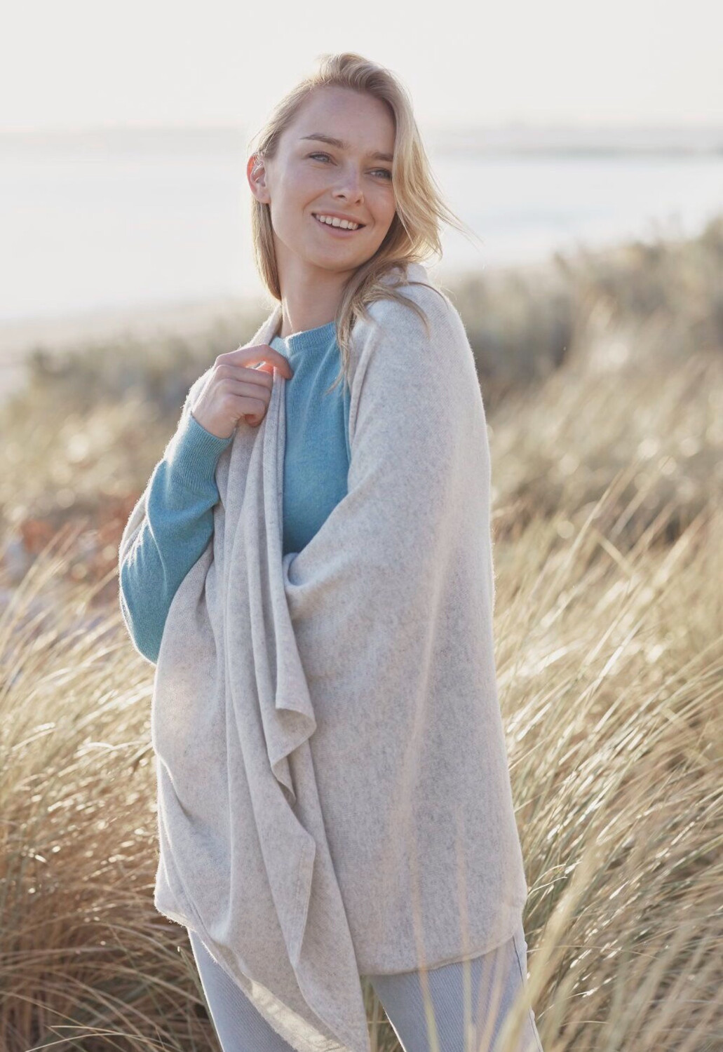 Mia Cashmere Wrap Light Grey