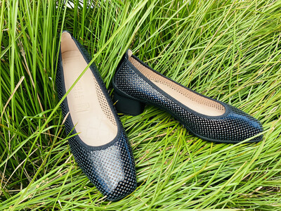 Perforated Patent Summer Heel