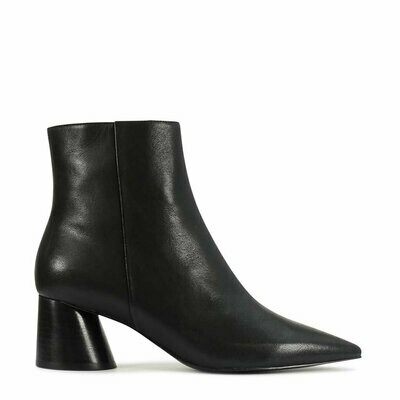 EOS Hallis Black Boot