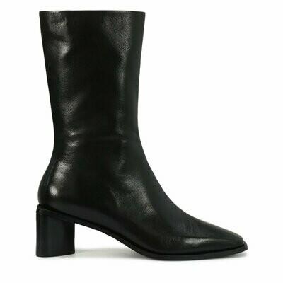 EOS Robyn Boot Black