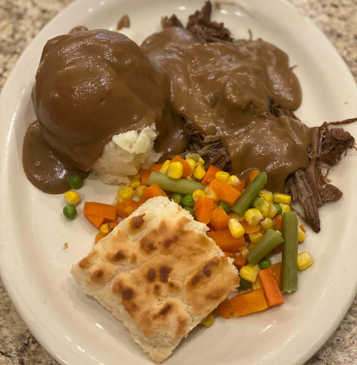 Roast Beef Dinner (1/2 order)