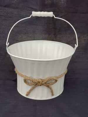 White Pot W/Bow