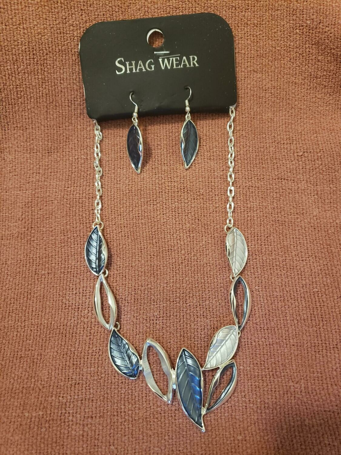BLU/SVR Necklace W/Earring