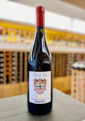 Dezza Blanche Marie Pinot Noir