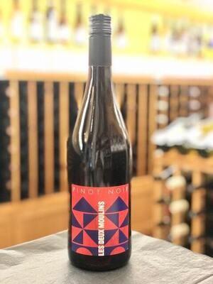 Les Deux Moulins Pinot Noir