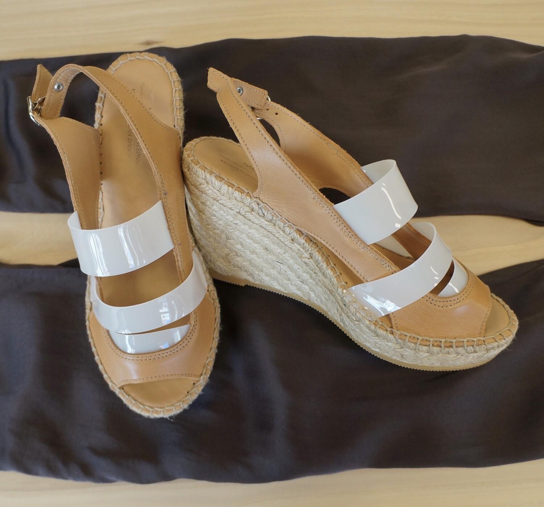 Milo Shoe, Naguisa