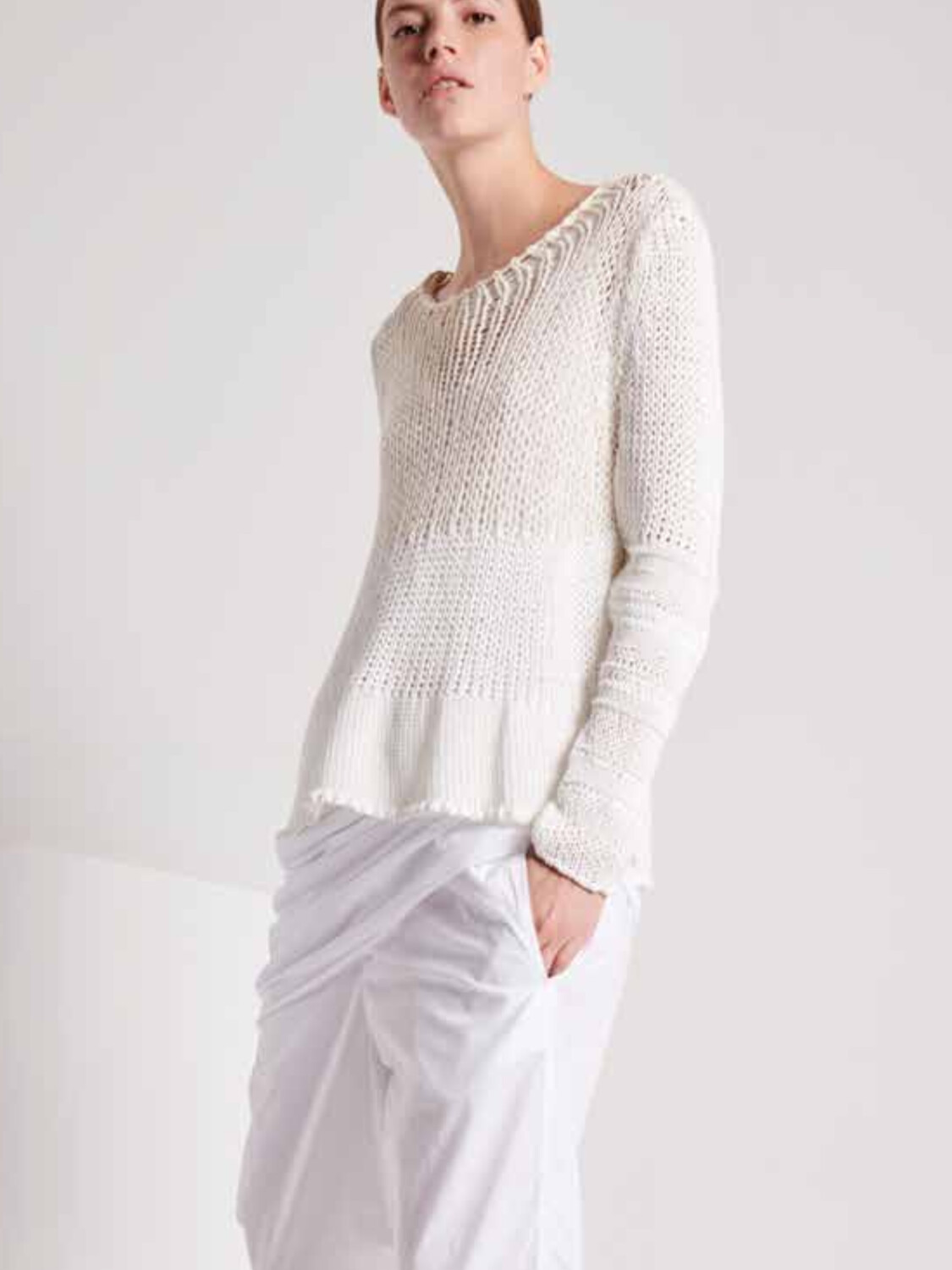 Knit White, Transit