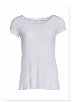 White T-shirt, Transit