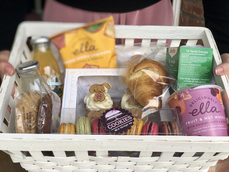 Breakfast or snack basket at home for 2 people