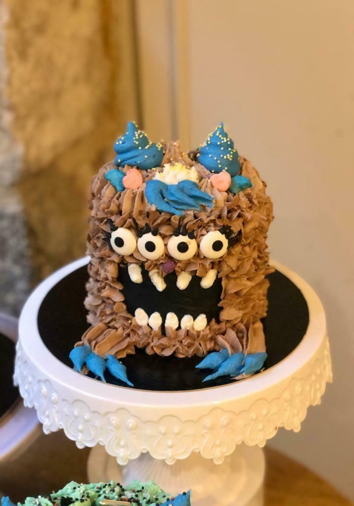 Nutella cake decoration Little Monster