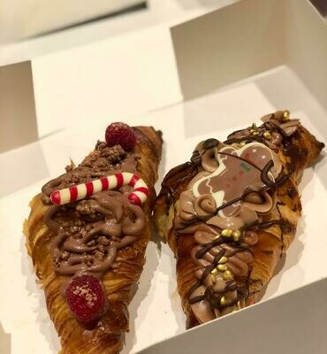 Butter croissants filled with Praliné, Gianduja ......