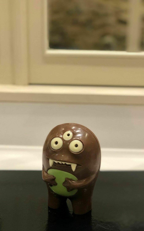 Mona de chocolata amb llet monstre