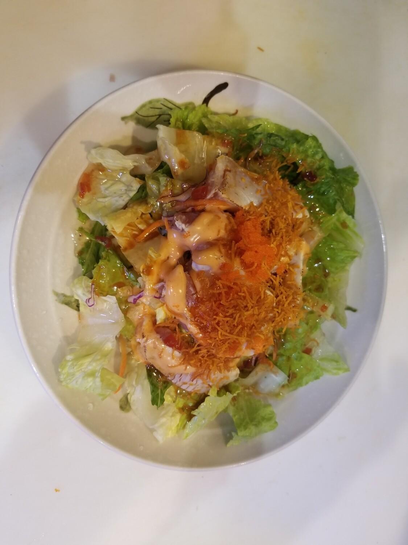 Spicy Tuna Tataki Salad