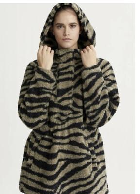 Varley, Whitfield Pullover. Gravity Zebra