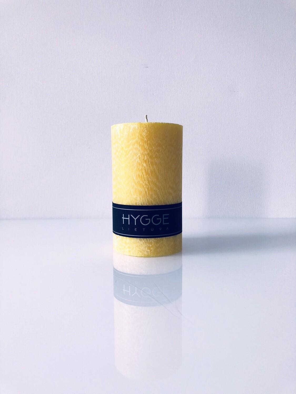 HYGGE geltona kvepianti žvakė