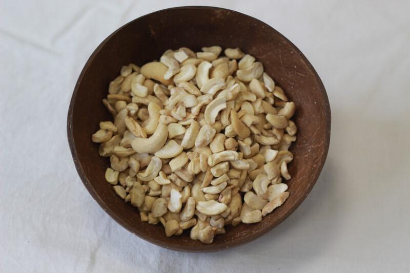 Organic Cashew Nuts 100g