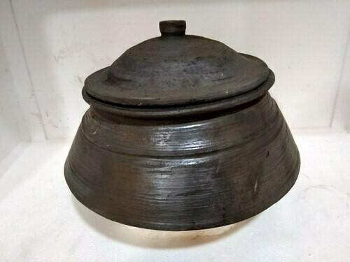 Black Mud / Clay Milk pot