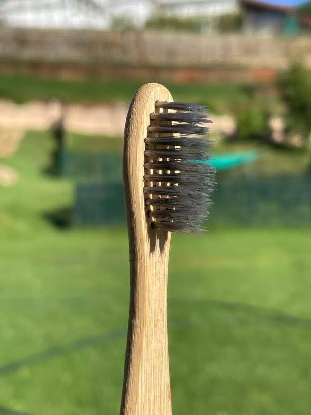 Ecofriendly Bamboo Wood Tooth Brush - Charcoal Infused Bristles - Plain Double Curve - Vayu