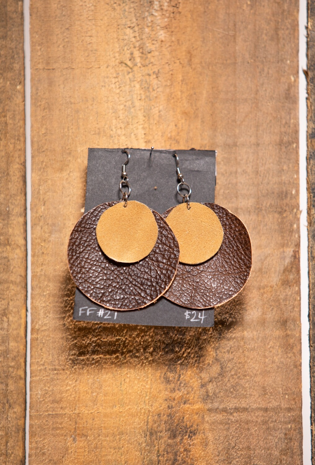 FF27 Short Leather earring