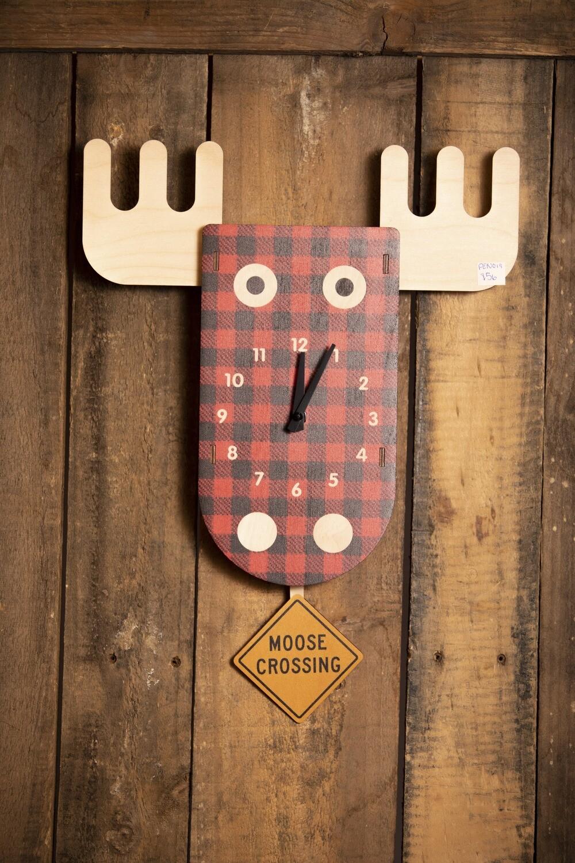 Moose Pendulum Clock- PEN019