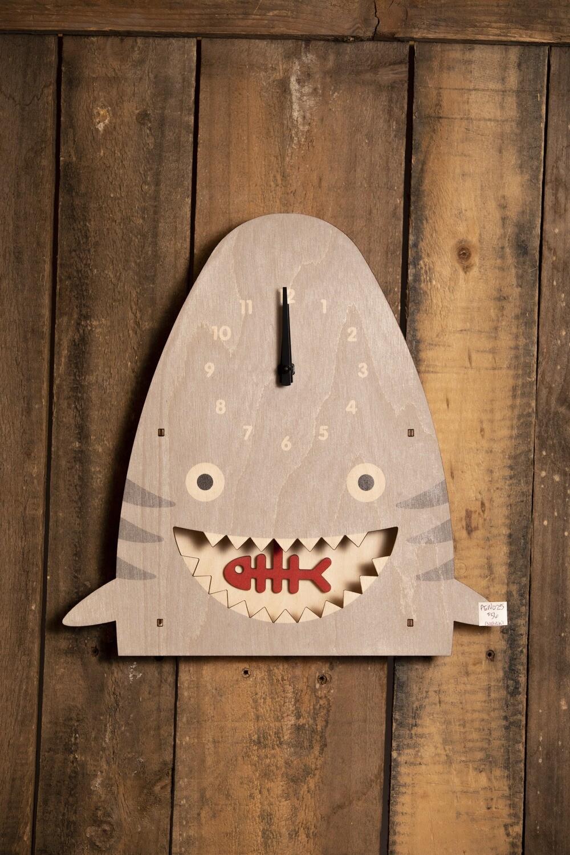 Shark Pendulum Clock PEN025