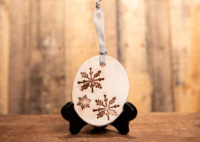 BN198 Snowflake Ornament
