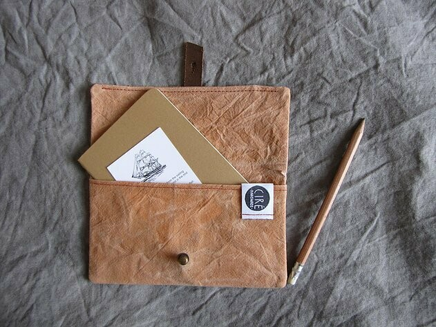 Waxed Canvas notebook pouch, A6 notebook included by Ciré Bags