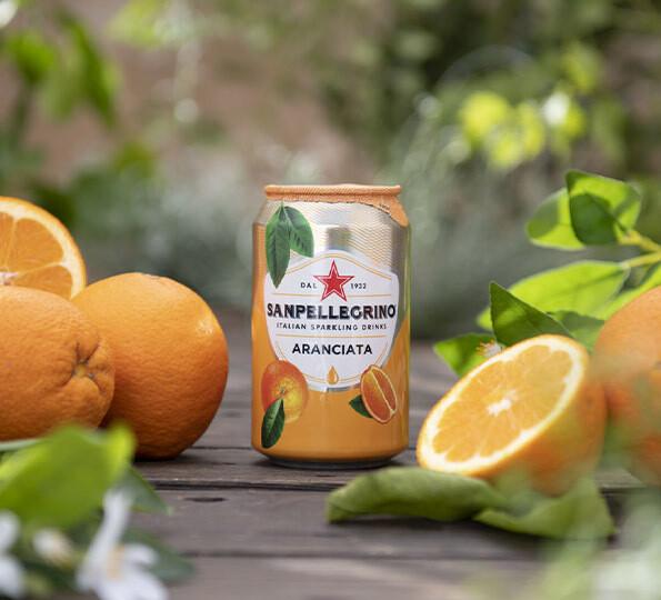 San Pellegrino Naranja con gas  lata 330 ml