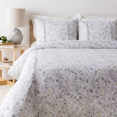 ASTER Duvet Cover with Two Shams