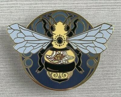 Art Nouveau Bee Pin