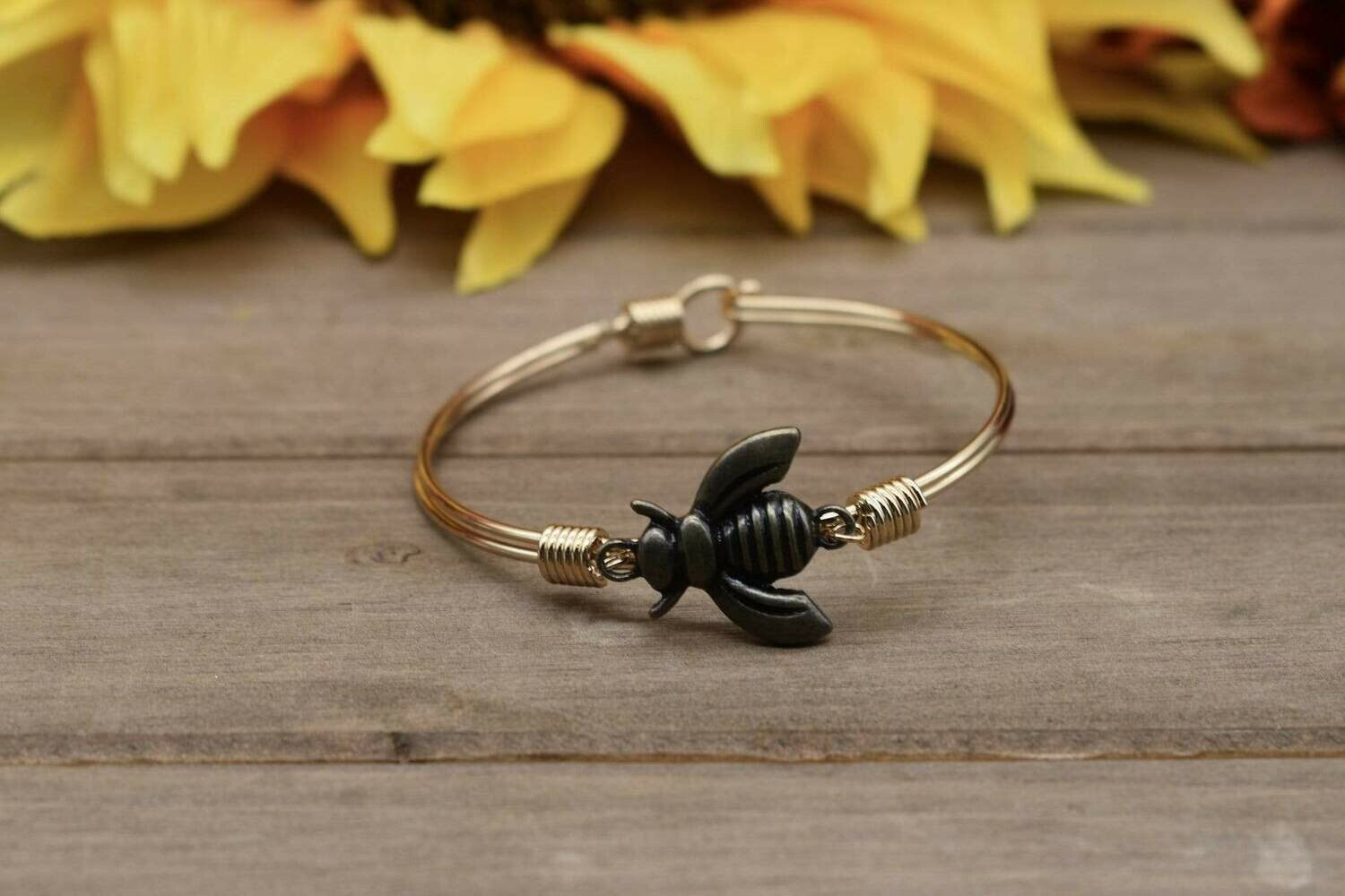 Bronze Bee Bangle Bracelet