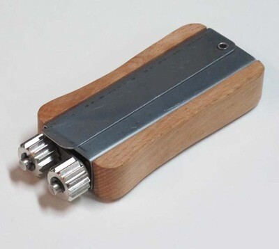 Wire Crimper-Betterbee