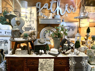 Display: White/gray Farmhouse #1