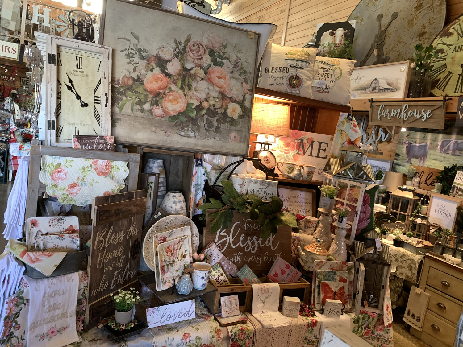 Display: Mother's Day/Spring Floral