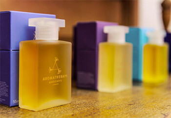 Aromatherapy Associates - Bath and Shower Oil