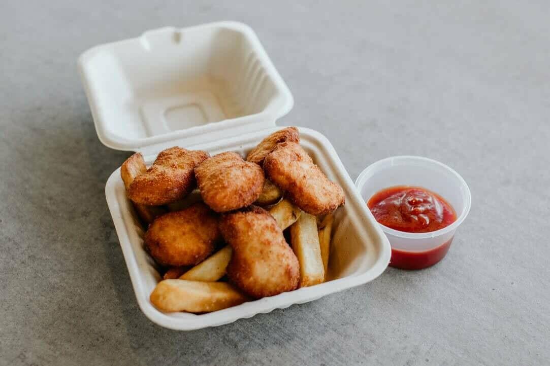 Kids Chicken nuggets & chips