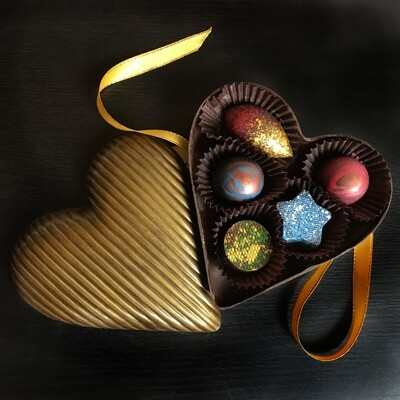 DARK CHOCOLATE HEART BOX