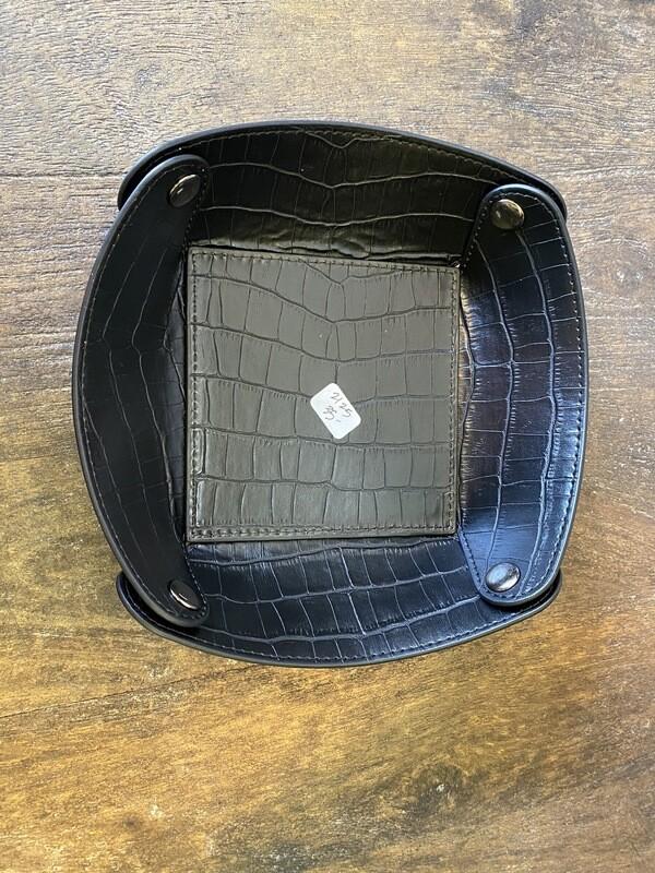 Empty Pocket Tray