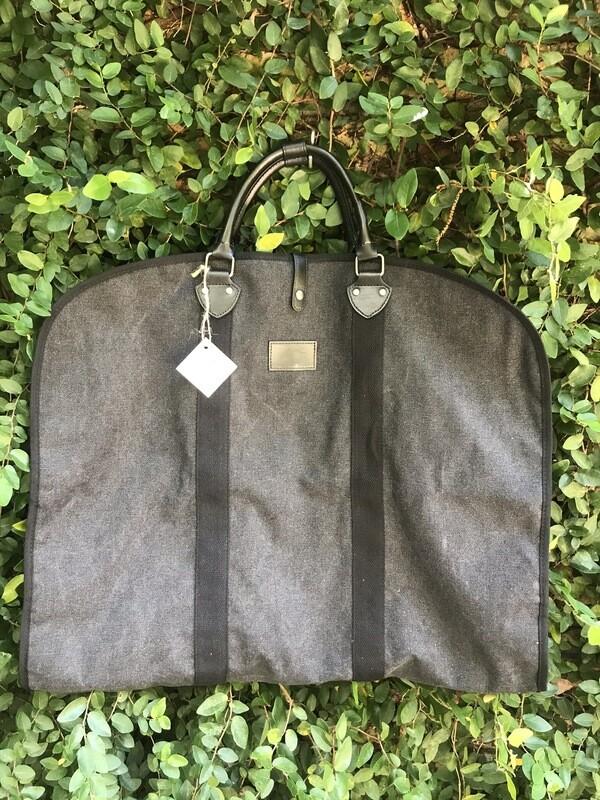 Garmet Bag in Charcoal